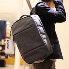 【incase POP UP】人気No,1バッグ